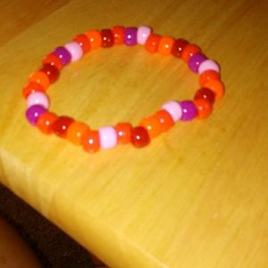 Red and pink gradient bracelet